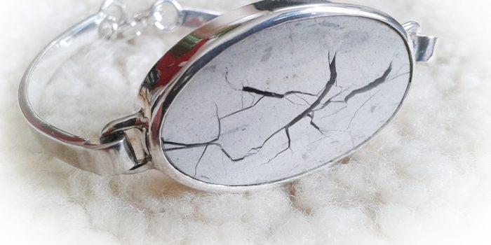 armband steenlijntekening